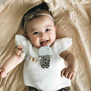 LouLou LOLLIPOP offers teethers, clips, and organic baby blankets
